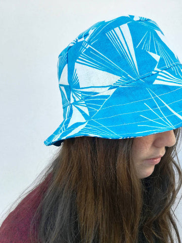 Geometric 80's print medium brim bucket hat