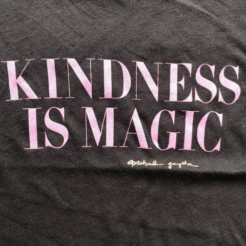 SPIRITUAL GANGSTA 'KINDNESS IS MAGIC' TSHIRT 5-6 YEARS