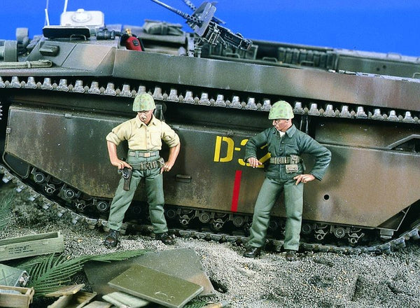 Verlinden 1/35 Marines WWII Checking Out  | VER1871