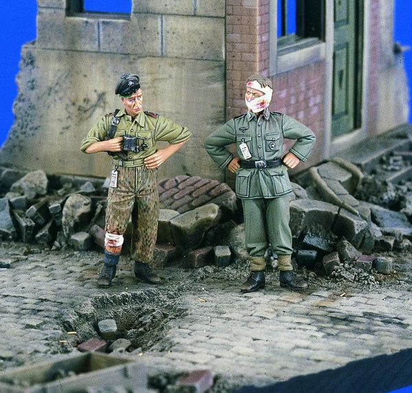 Verlinden 1/35 Wounded German Soldiers WWII  | VER2059