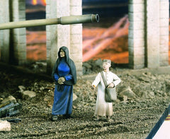 Verlinden 1/35 Arab Street Old Women with Boy  | VER2175