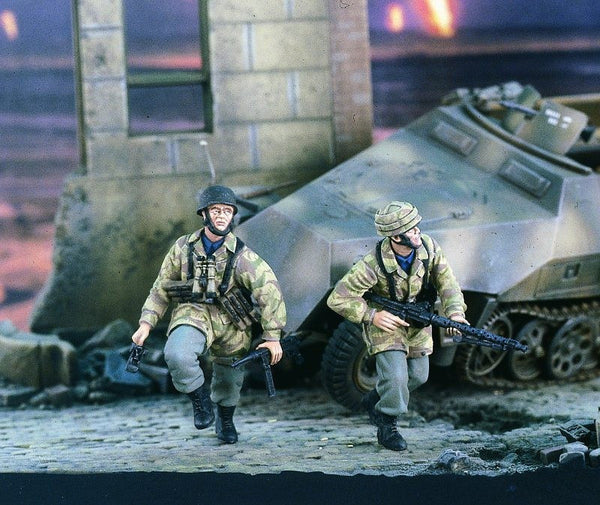 Verlinden 1/35 German Paras Running  | VER2373