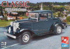 AMT 1/25 '32 Ford 5-Window Coupe | AMT38280