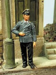 Custom Dioramics 1/35 German Reichspostman WWII  | 4037