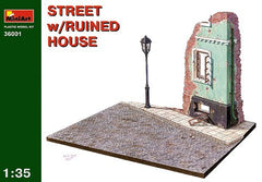 MiniArt 1/35 Street with Ruined House | MA36001