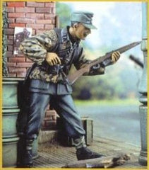 Nemrod 1/35 German Soldier with Gewehr 43  | 35012