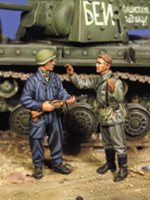 Warriors 1/35 Russian Tanker with German POW | 35486