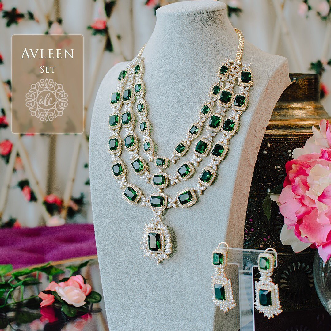 Avleen Set - Gold