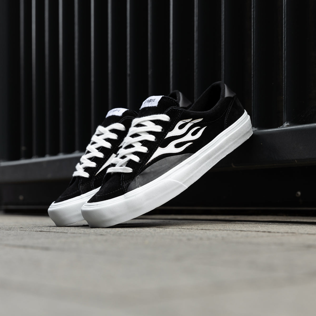 Logan Suede Flame - Black White