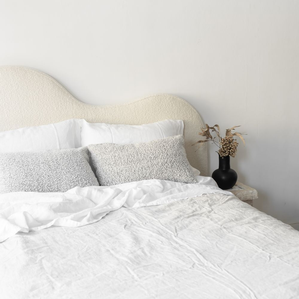 BEDHEAD CURVED BOUCLE IVORY