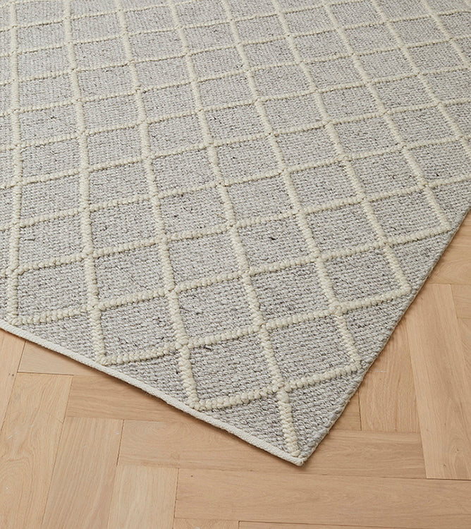 MITRE RUG, FEATHER