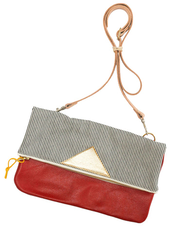 Convertible crossbody purse in scarlet