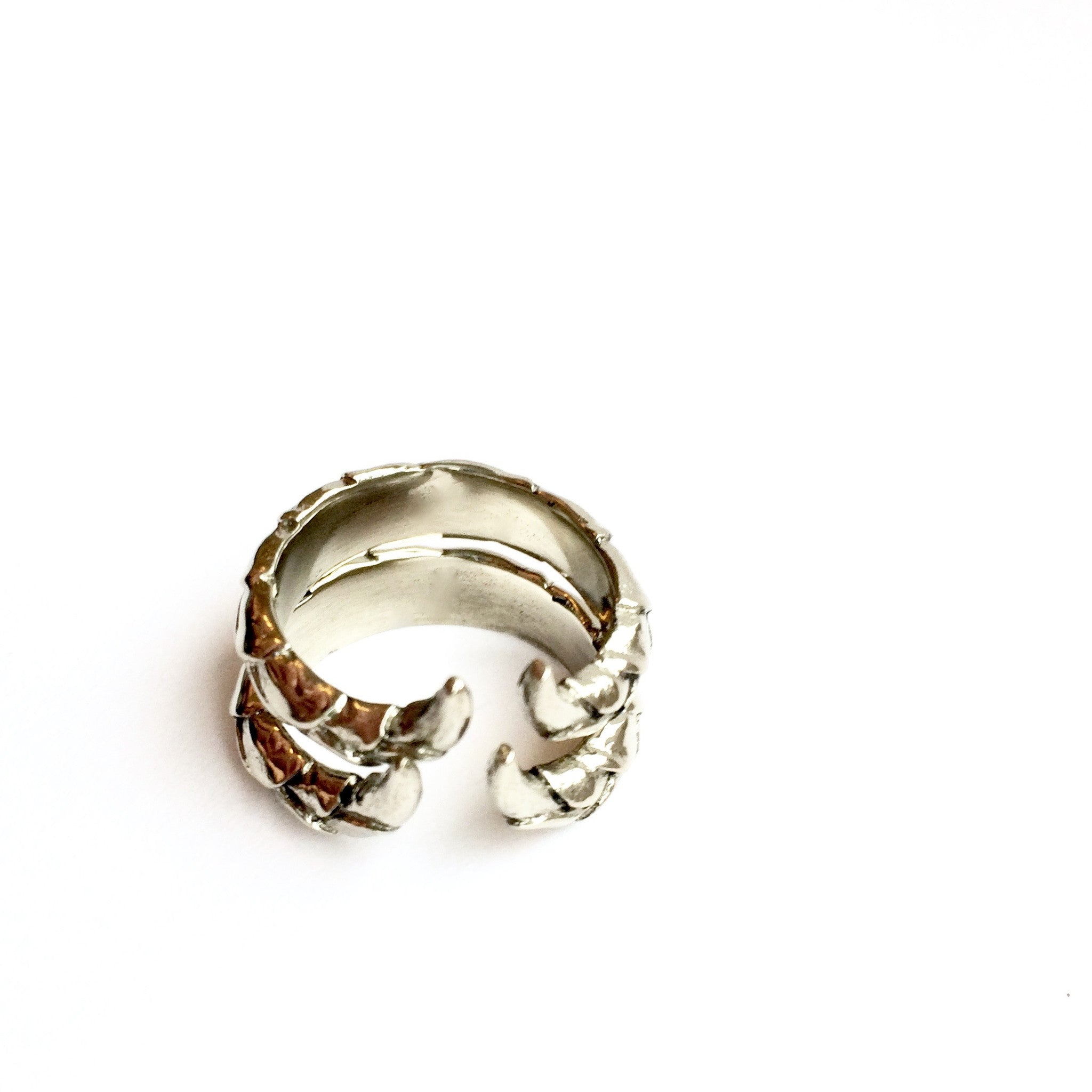 Double Snakes Tail Ring