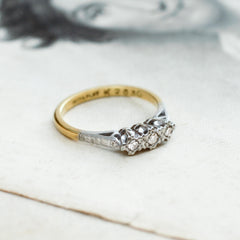 Twinkly Vintage Diamond Trilogy Ring