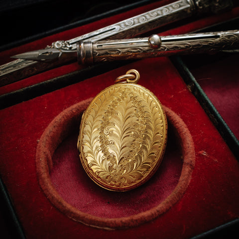 Antique Vintage Victorian 15ct Gold Locket