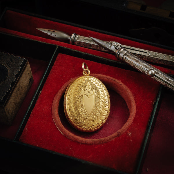 Extravagantly Engraved Antique Victorian 15ct Gold Locket