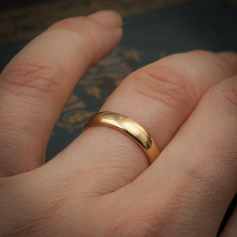 Classic 18ct Gold Wedding Band Ring
