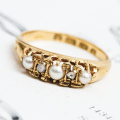 Date 1922 Pearl and Diamond Ring