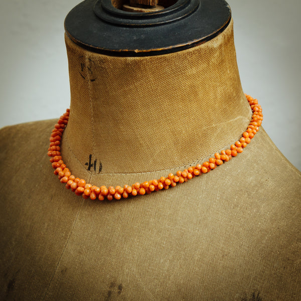 Slinkily Tapered Hand Carved Antique Georgian Coral Necklace