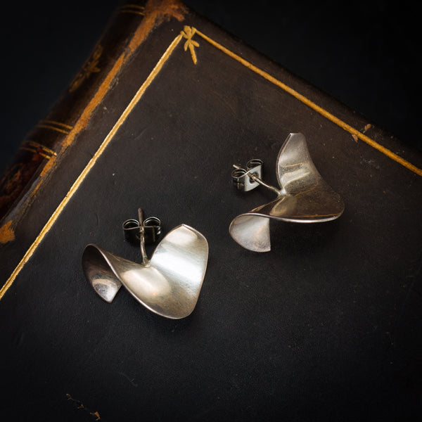 Cool Vibe!! Vintage 1980's Modernist Silver Earrings