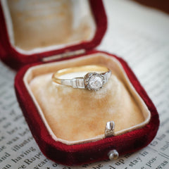 Vintage Art Deco Design Diamond Solitaire Engagement Ring