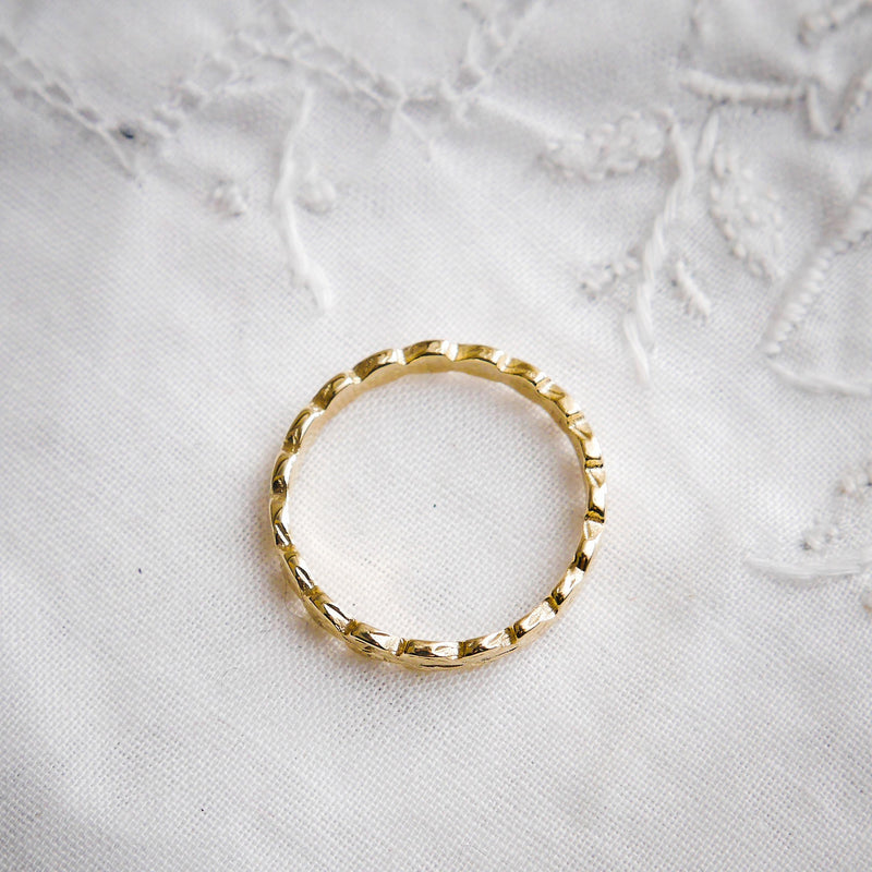 Fetheray Vintage Style 'Leaves' Gold Wedding Ring