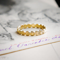 Vintage Style 'Leaves' Gold Wedding Ring