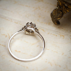 Tres Belle Vintage Platinum & Diamond Engagement Ring