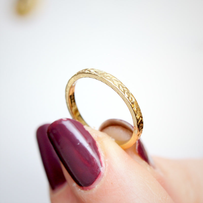 Fetheray Vintage Style 'Florette' Gold Wedding Ring