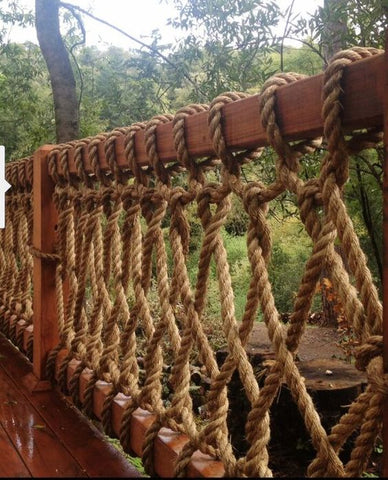 rustic rope fence idea for outdoors