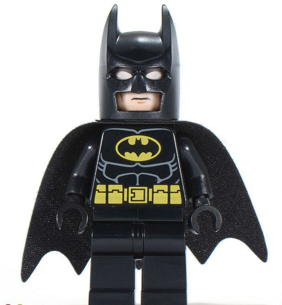 Lego Used Batman - Black Suit with Yellow Belt and Crest Minifigure 6864 6863