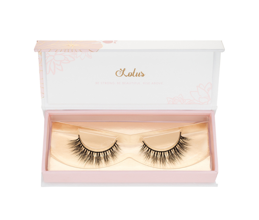look 10 years younger with false eyelashes