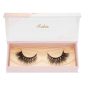 no. 501 3D mink lashes luxury lashes lotus lashes v pattern winged in packaging