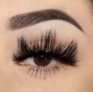 tease me 25 mm faux mink lashes false eyelashes lotus lashes close up