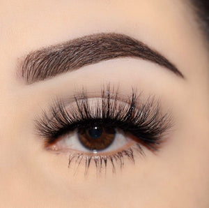 no. 68 3D mink lashes luxury lashes lotus lashes ultra fluffy close up