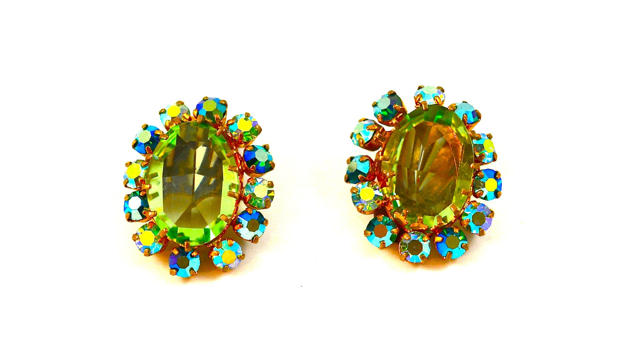 AUSTRIAN CRYSTAL EARRINGS FROM THE 1940s
