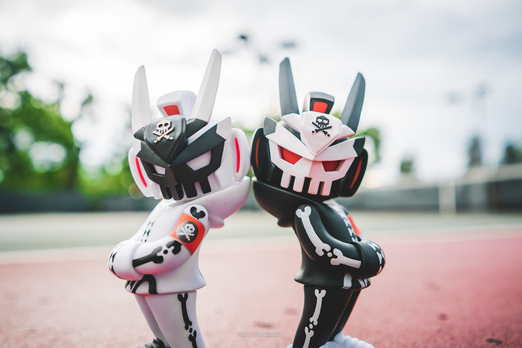 GHOST COMPLEX Black & Ghost Mode TEQ63 by Quiccs x Martian Toys