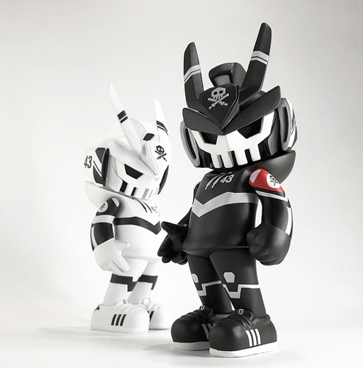 TEQ63 Fortress WHT  by Quiccs  x  Martian Toys