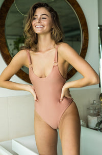 Leila One Piece in Honey