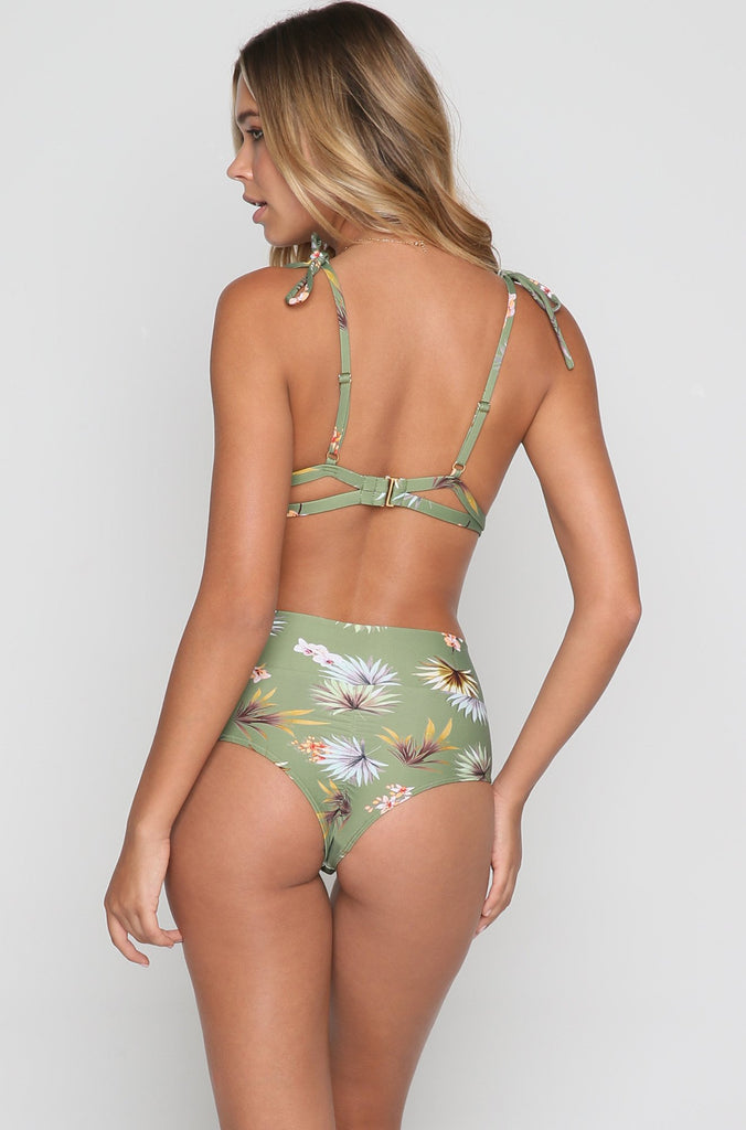 Palua Bikini Top in Plants On Green