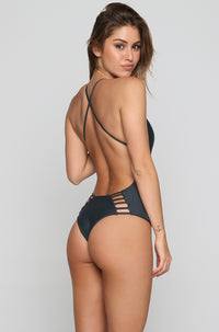 Palma One Piece in Storm