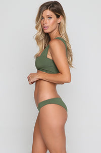 Sandy Bikini Bottom in Jungle