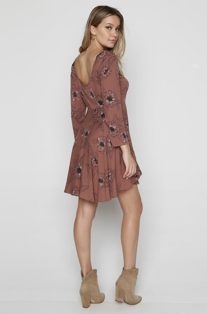 Steller Dress in Moccasin
