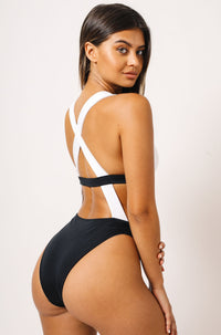 Sofia One Piece in Black/White