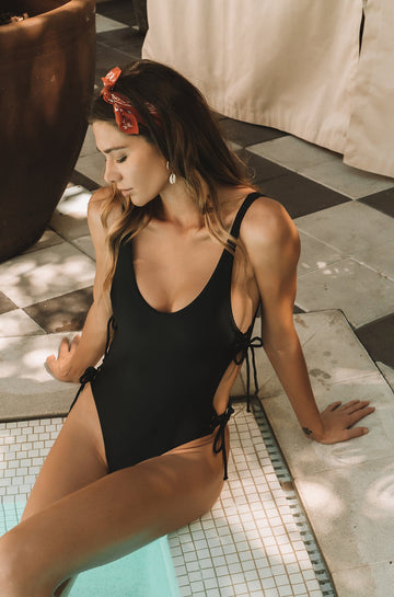 Kati One Piece in Black