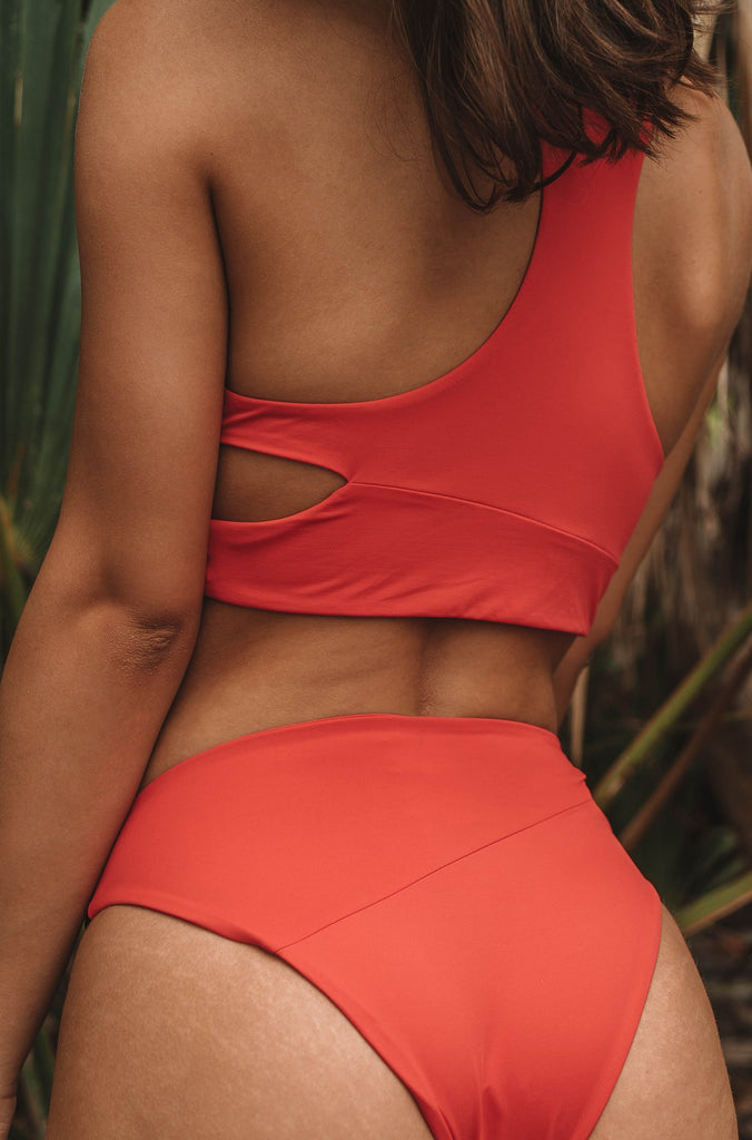 Simply Seamless Classic Bottom in True Red