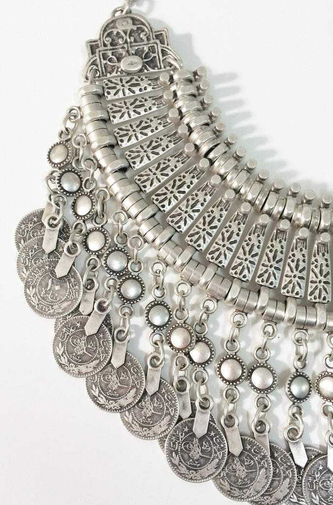 Natalie B Jewelry Fit For A Queen Statement Collar in Silver|ISHINE365 - 7