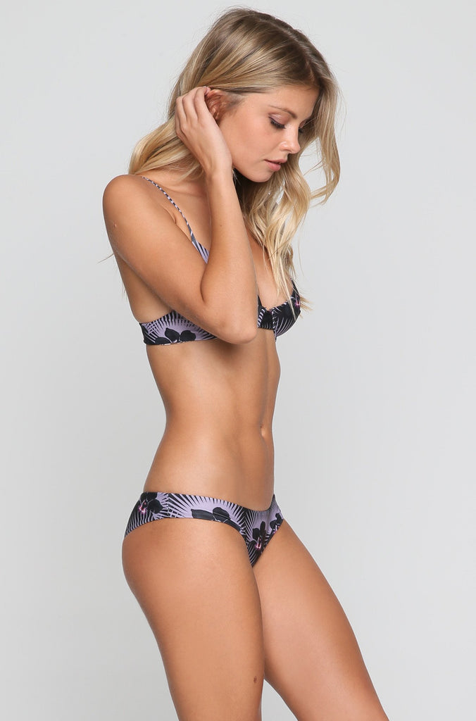 Manhattan Bikini Top in Modern Pacific