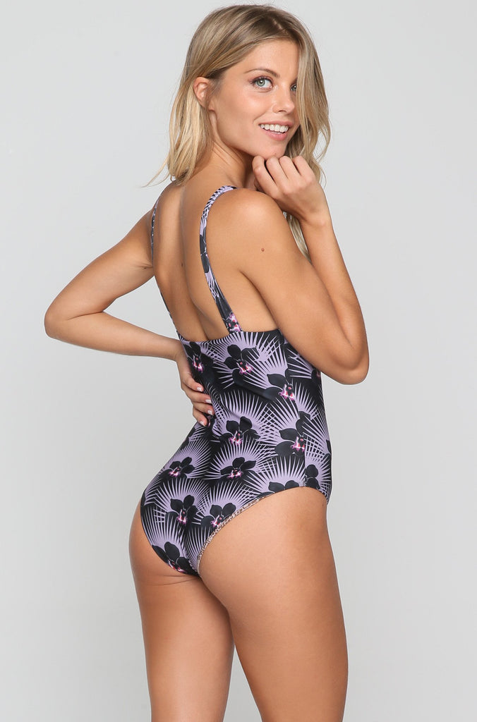 France One Piece in Modern Pacific