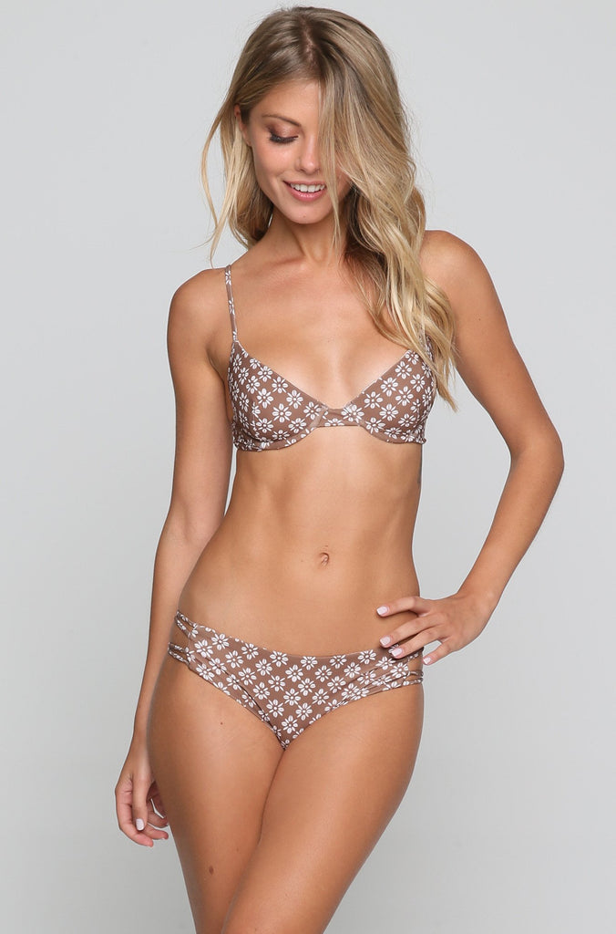 Manhattan Bikini Top in Daisy Block